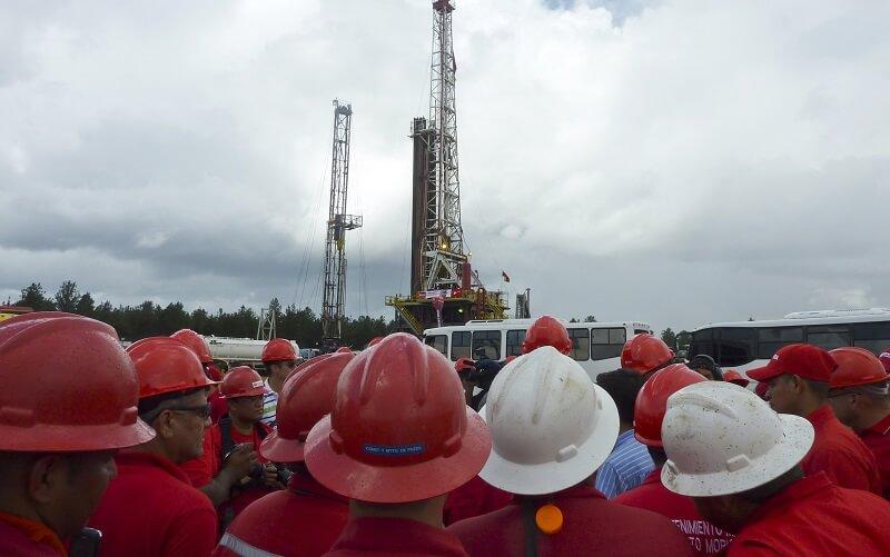 کاهش ۳۴ درصدی درآمد نفتی ونزوئلا