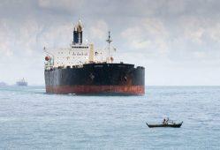آفریقای جنوبی نفت خود را از نیجریه تامین میکند