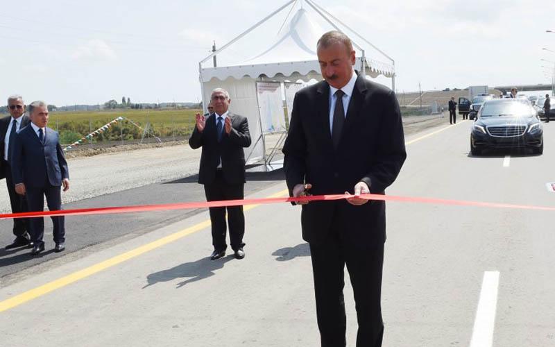 بخشی از بزرگراه باکو با مرز ایران افتتاح شد