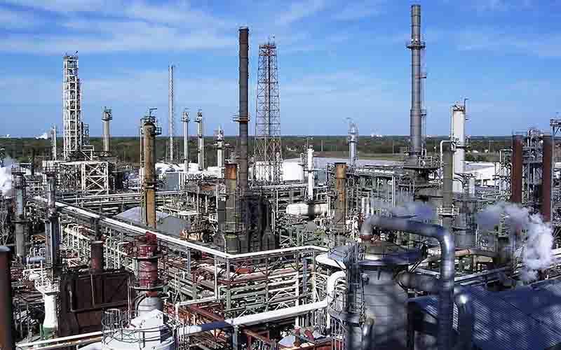 معاون وزیر نفت ادعای خامفروشی را رد کرد