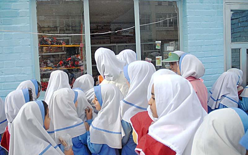 درخواست تعطیلی مدارس و دانشگاهها تا پایان فروردین ماه