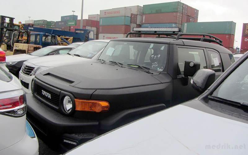 واردات خودروهای بالای ۲۵۰۰ سیسی همچنان ممنوع است