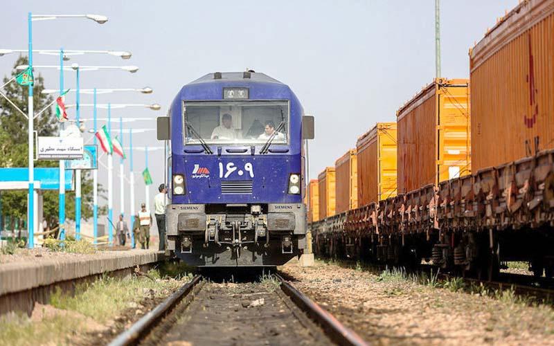 حمل بار در راهآهن جنوب 60 درصد رشد داشته است