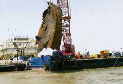 خارجسازی جدیدترین شناور مغروقه از اروند