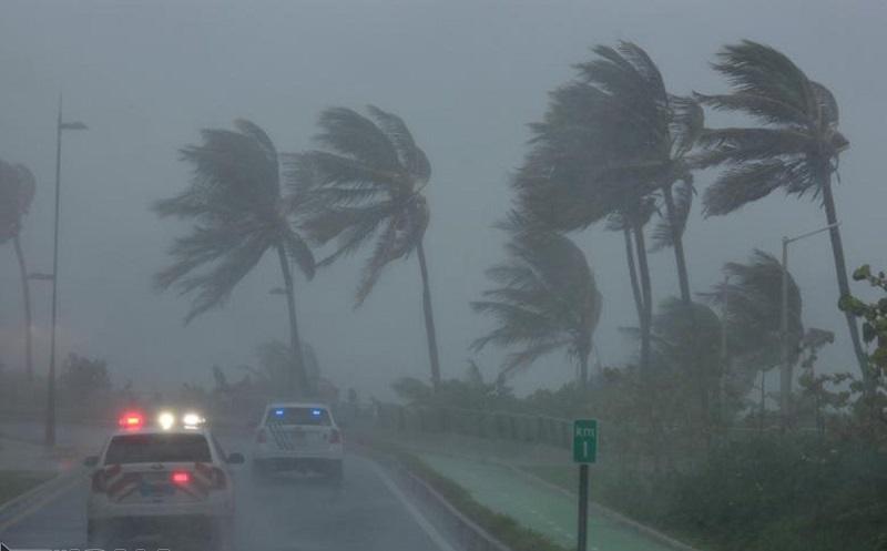 ضرر ۳۰۰ میلیارد دلاری طوفان ایرما به اقتصاد آمریکا