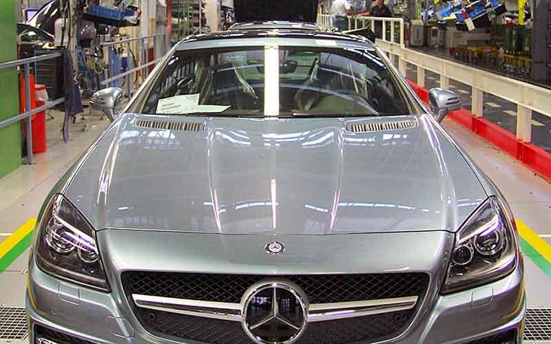 بنز صنعت خودروی ایران را جهانی میکند