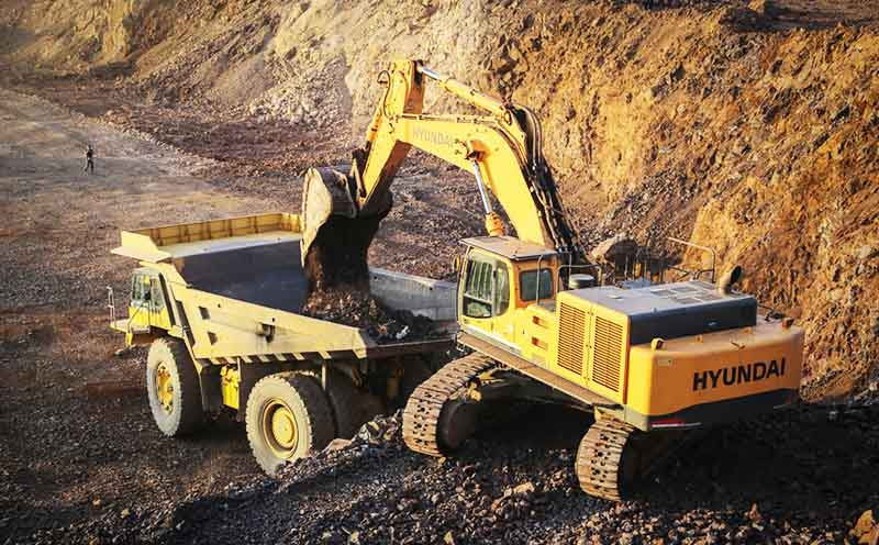 استخراج سالانه ۳٫۵ میلیون تن مواد معدنی در سیستان و بلوچستان