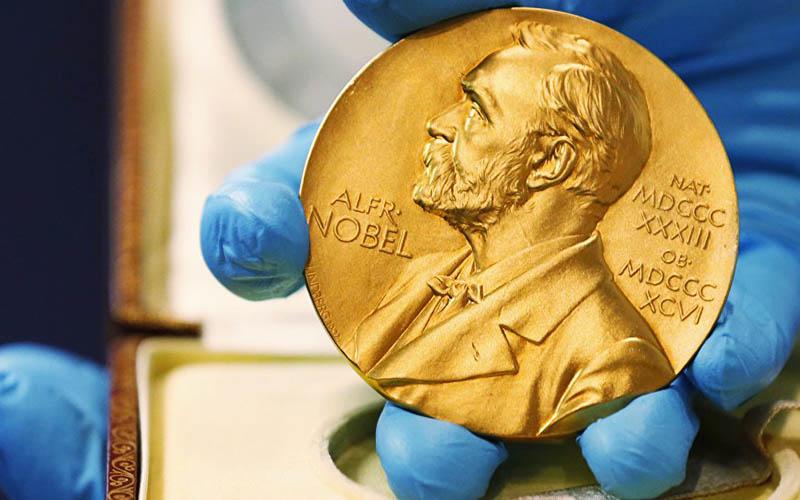 نوبل ادبیات به چه کسی میرسد؟