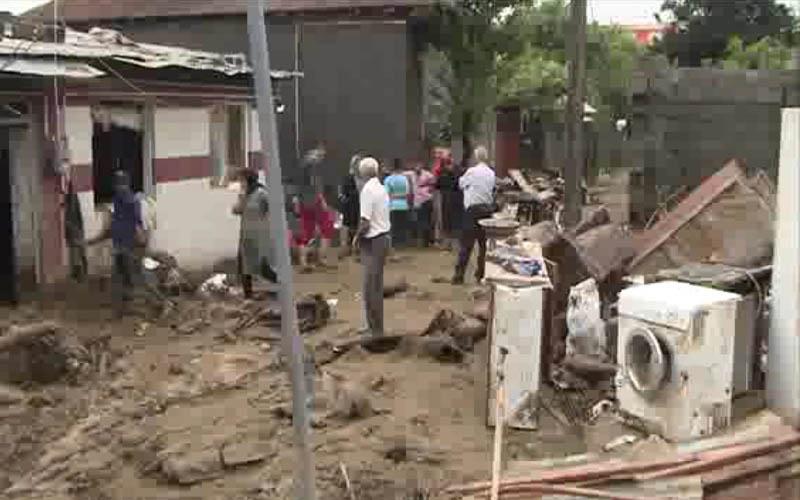 جادههای منتهی به شهرستانهای آققلا مسدود شد