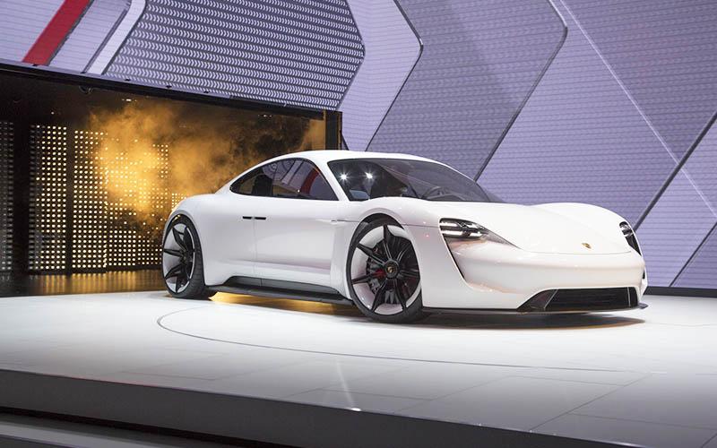 برنامه جدید پورشه برای ساخت خودروی برقی