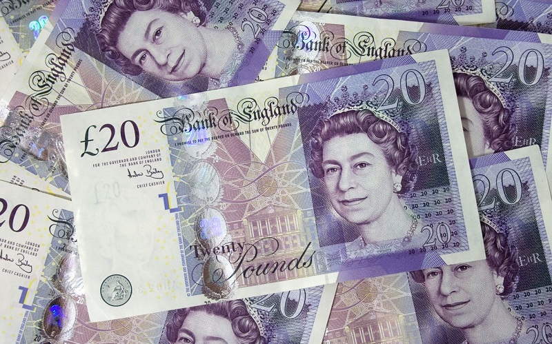 کاهش مداوم ارزش پوند در برابر یورو