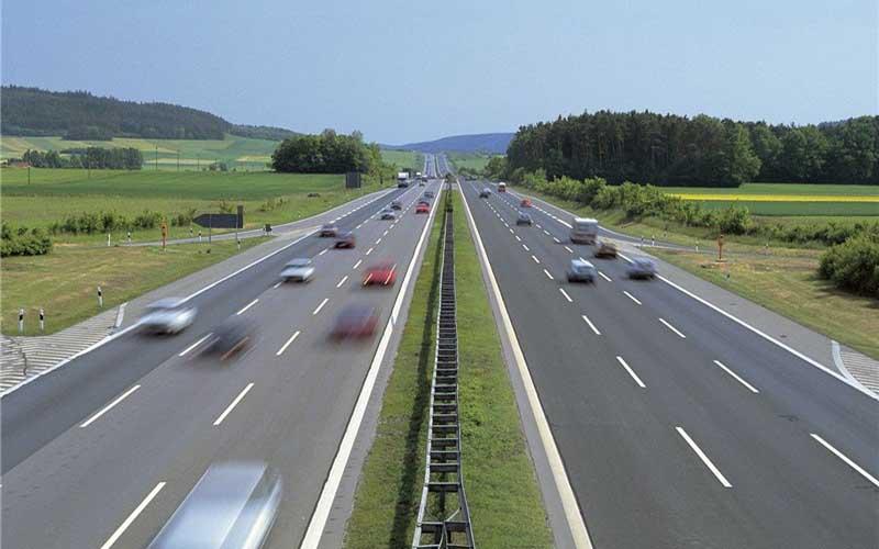 چراغ سبز برای بالارفتن سقف سرعت در آزادراهها؟