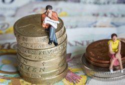 اختلاف دستمزد زنان و مردان در انگلیس