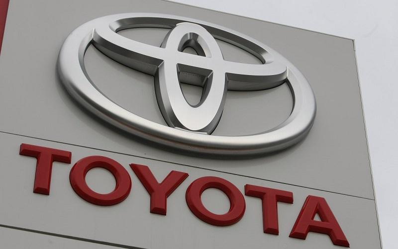 تویوتا برای فروش خودرو به ایران از آمریکا عذرخواهی کرد