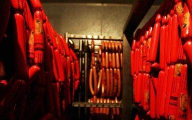 نگرانی سازمان استاندارد از خمیر مرغ در تولید سوسیس و کالباس