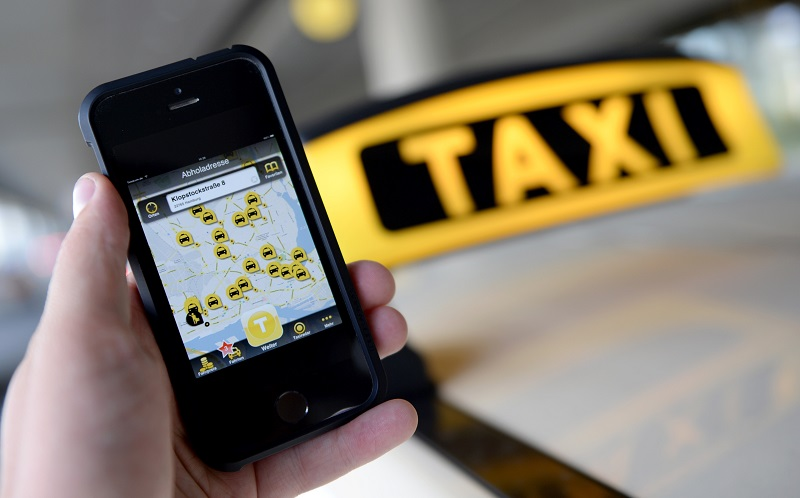 دلیل فشار شهرداری به تاکسیهای اینترنتی چیست؟
