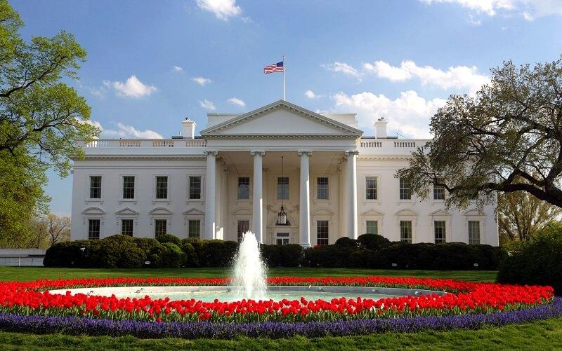 کسری بودجه آمریکا به زودی به یک تریلیون دلار میرسد