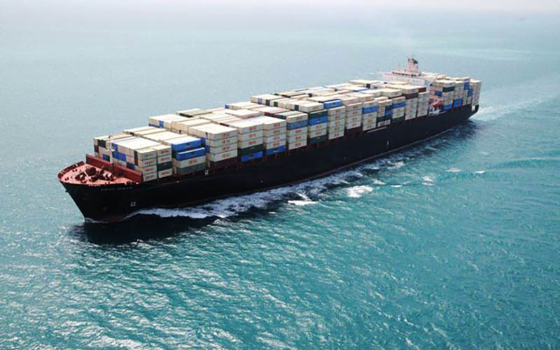 کشتی اسرائیلی در دریای عرب هدف موشک قرار گرفت