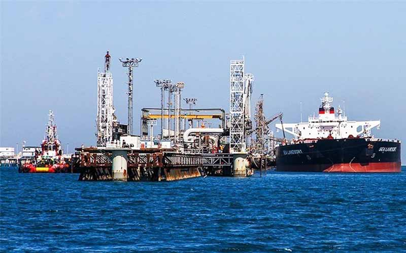 اعزام ابرنفتکشها برای ذخیره نفت / سودخریداران نفت در دوره سقوط قیمت