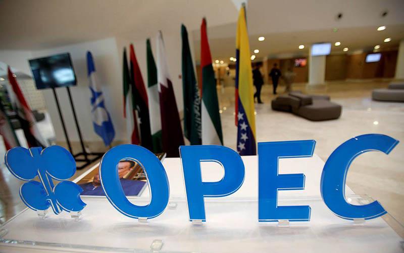 رویترز مدعی موافقت ایران با کاهش تولید شد