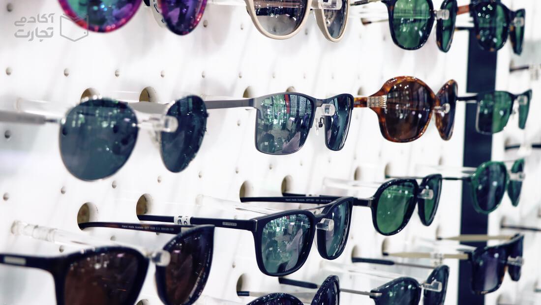 لوکساتیکا عینک انحصار