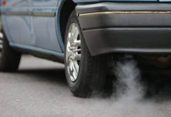 خودرو مهمترین عامل آلودگی هواست