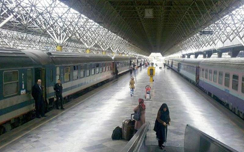 دسترسی زیرزمینی متروی شهری تهران به ساختمان راهآهن