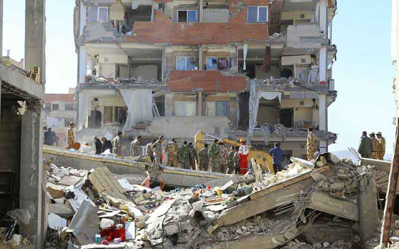 زندگی زلزلهزدگان در سرمای منفی ۱۰ درجه