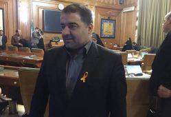 نصب نماد ممنوعیت خشونت علیه زنان بر سینه اعضای شورای شهر
