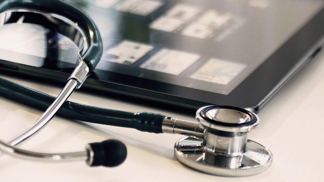 سیویکتک فناوری موبایلی در حوزه پزشکی و سلامت