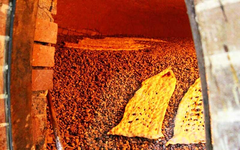 قیمت نان سنگک ساده و کنجدی در تهران