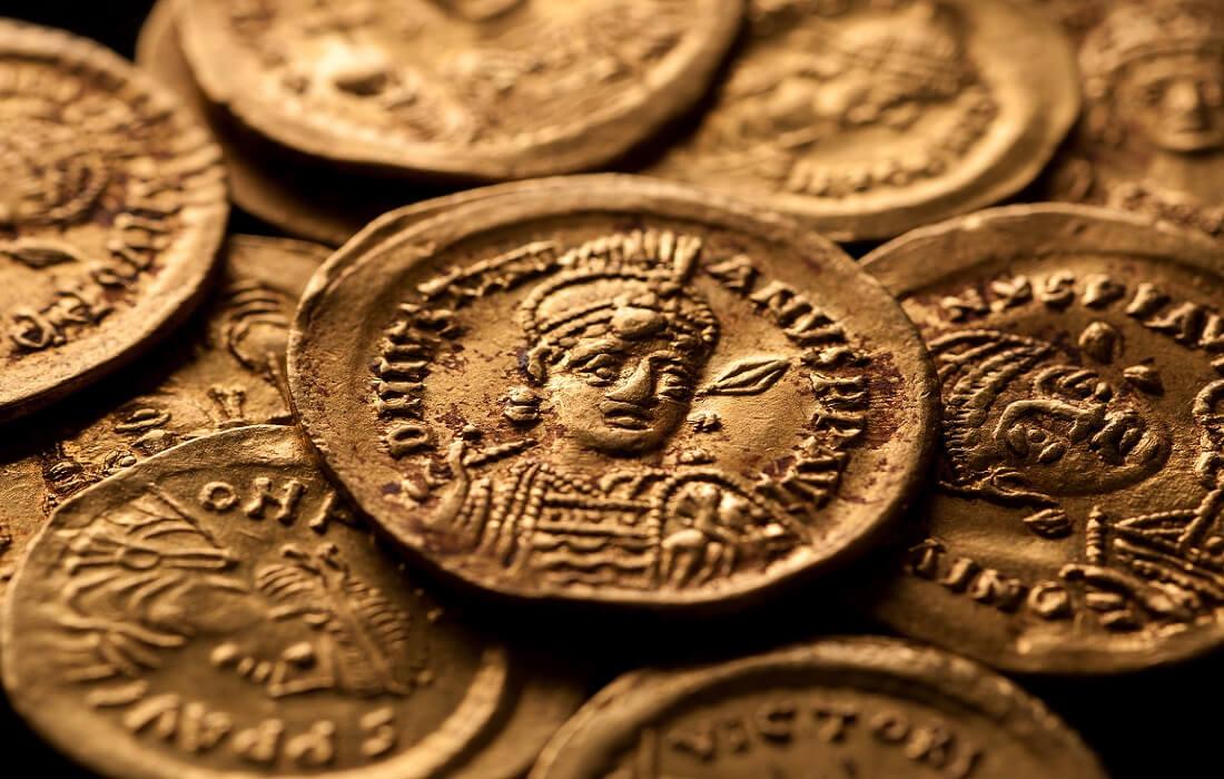 نخستین سکههای طلا