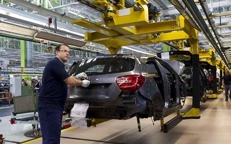 زیان انباشته خودروسازان به 11 هزار میلیارد تومان رسید
