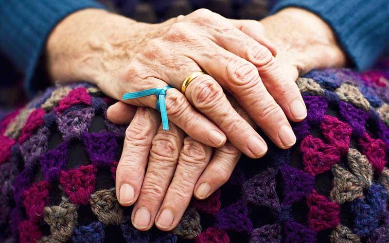۱۰ علامت هشدار دهنده آلزایمر را بشناسید