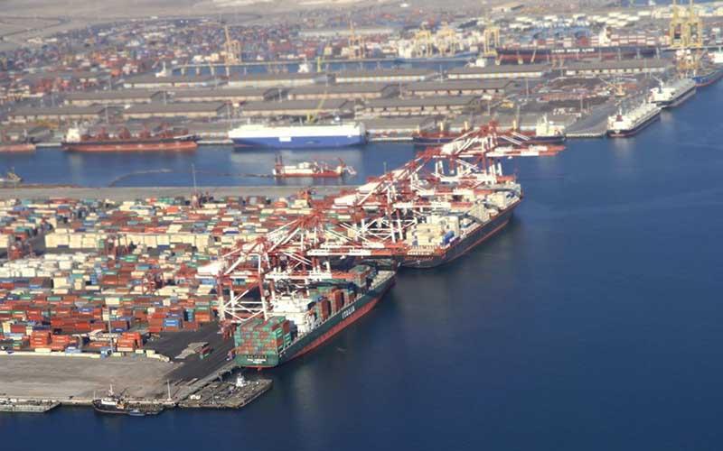 پهلوگیری ۲ کشتی حامل روغن خوراکی در بندرشهیدرجایی