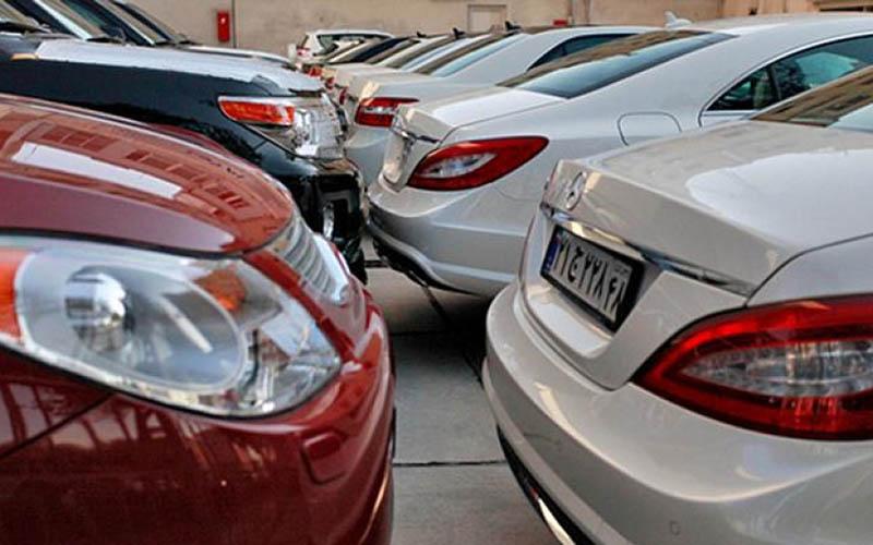 ممنوعیتهای واردات خودرو ادامه دارد