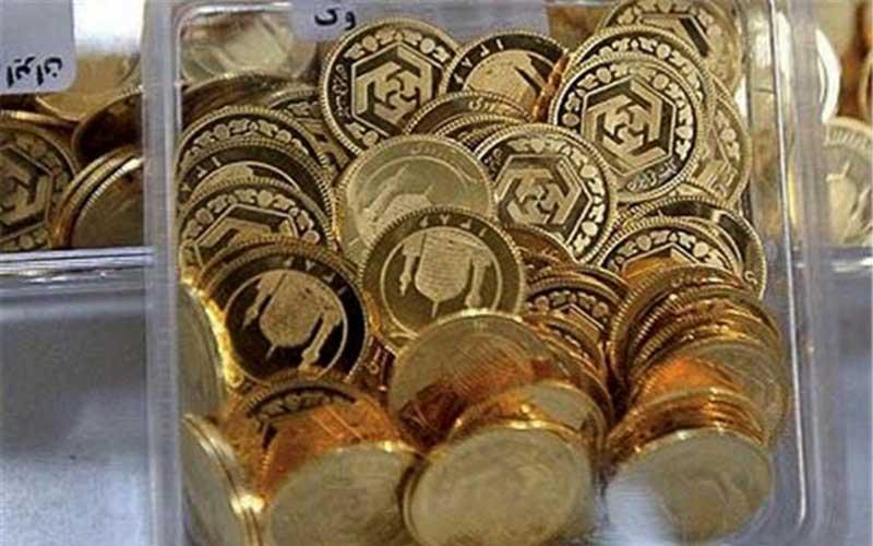 سوداگریهای بازار ارز و سکه شکاف طبقاتی را بیشتر میکند