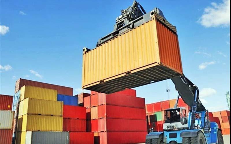 صادرات در پیچ و خم نوسانات نرخ دلار