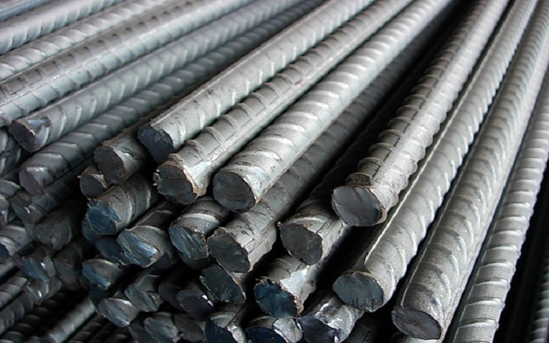 واردات فولاد نصف شد