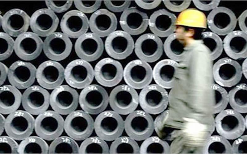 تابلوی ایست مقابل کاهش تعرفههای واردات فولاد