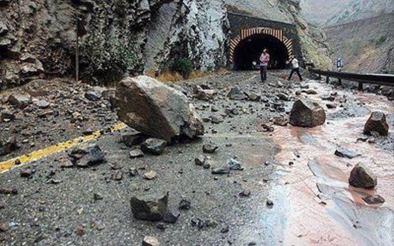 تکذیب ریزش کوه در جاده چالوس