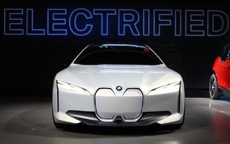 افزایش فروش خودروهای برقی «بی ام دابلیو» به ۵۰۰ هزار دستگاه