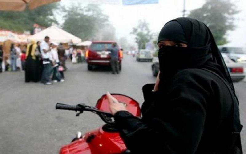 عربستان به زنان اجازه راندن کامیون و موتور را هم داد!
