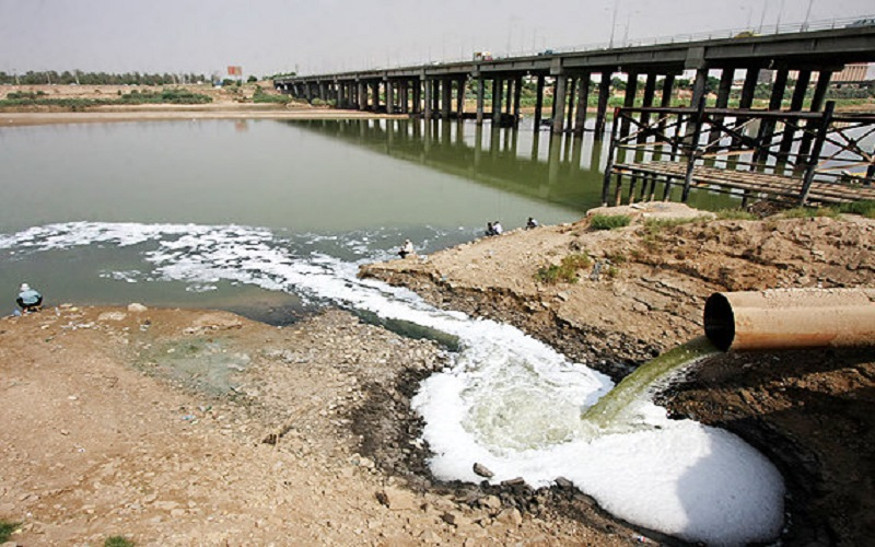 تخلیه فاضلاب شهری اهواز از 13 محل به رودخانه کارون