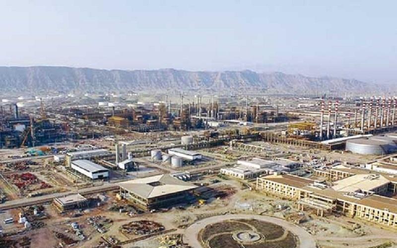 تکمیل پالایشگاه ستاره خلیج فارس اجرای اقتصاد مقاومتی است