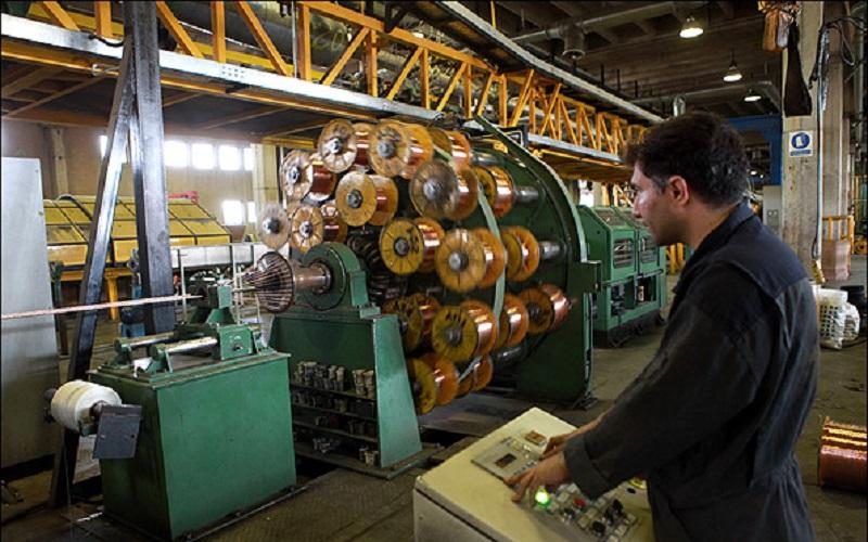سنگینی بار مالیاتی بر دوش صنعتگران و حقوقبگیران است