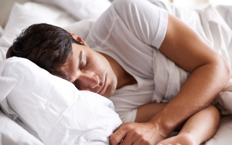 اشتباهاتی که حتی در خواب چاقتان میکنند