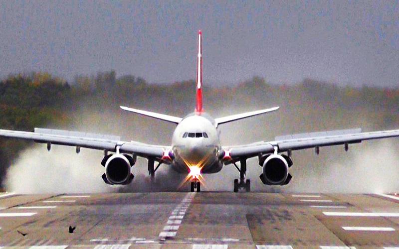 جزئیات فرود اضطراری هواپیمای تابان