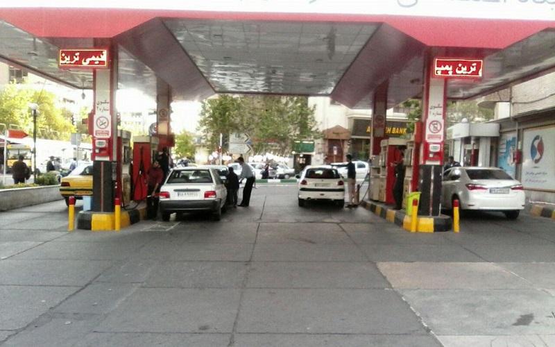 جایگاههای سوخت تهران مملو از بنزین است