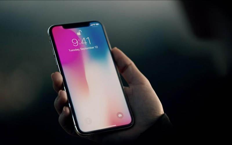 آیفون ۱۰ تلفن همراه را گران کرد